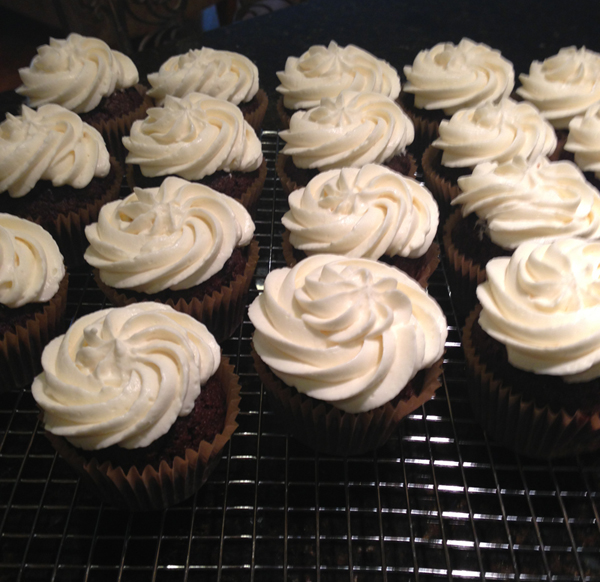 Red Velvet Cupcakes with Whipped Cream-Cream Cheese ...